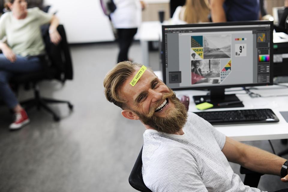 Pozytywny poniedziałek: czyli jak być szczęśliwym w miejscu pracy?