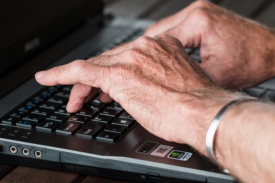 Umiejętności związane z obsługą komputera, które pomogą Ci znaleźć lepszą pracę